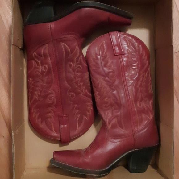 6effbaf5da6 Red Laredo cowgirl boots